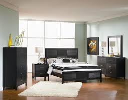 Amazon.com: 4pc Queen Size Bedroom Set With Wood Grain In Black Finish:  Kitchen U0026 Dining
