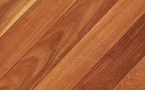 clean vinyl flooring featuring a scuff