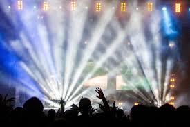 Rave party a San Cataldo, a ballare erano 350: denunciate 39 persone