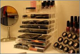 kim kardashian makeup holder daily