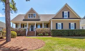 nicklaus designed golf course this well maintained home offers a brand new kitchen renovation including custom cabinetry honed quartz countertops