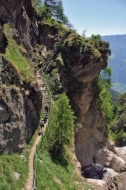 Lieber kunden, wir sind der hersteller von hochwertigen innentreppen in polen. Wandern Die 1 000 Stufen Schlucht Bergwelten