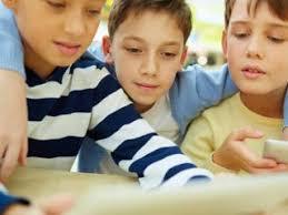در دوست یابی به کودک تان کمک کنید (2) | خواندنی ها