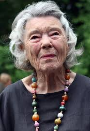British author Rosamunde Pilcher attends a garden party at the official residence of the British ambassador to Germany on June 7, 2012 in Berlin, ... - Rosamunde Pilcher British Ambassador Hosts KOiSYUHlsJrl