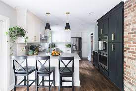 Our Favorite Kitchen Peninsula Designs And Their Features