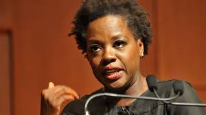 Viola davis' powerful and emotional performances in such plays as intimate apparel and king hedley ii made her a formidable presence on the american theater scene in the late 1990s and 2000s. With Tough Personal Stories Davis Seeks To Inspire Students Brown University