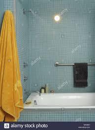 Ein Modernes Badezimmer Fliesen Wände Mit Mosaik Fliesen Bad