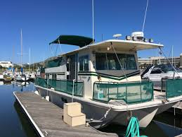 EXCELLENT REMODELED 1980 36' HOUSEBOAT