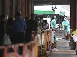 新冠肺炎疫情當前,台灣已進入社區感染,因連日單天暴增破百本土案例,衛福部已不再一一公布確診者足跡,網友自製地圖,只要透過 google maps 就能查出「確診者足跡」以及所在地是否為高風險區。 google地圖就能查「確診者足跡」、「紀錄14天行蹤」! 5nt7nqa9zbb Rm