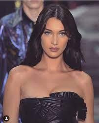 90s models Bella Hadid. #bellahadid ...