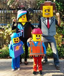 Best Halloween Costume Award 36 Awesome Family Costumes Guaranteed To Win Your Halloween Costume