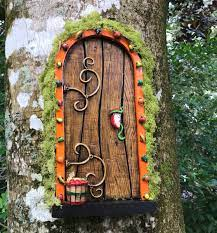 """Harry P. Leu Gardens on Twitter: """"It's the last weekend for the Enchanted  Fairy Doors exhibit! 15 one-of-a-kind doors to find in the gardens.  #fairydoors #family #funthingstodo #leugardens… https://t.co/gqUjPLY6pO"""""""