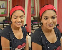 plete eye makeup for the day look on wheatish skin