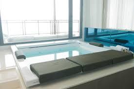 hotel with bathtub for two ideas