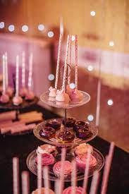 Hình ảnh miễn phí: buổi lễ, Đảng, kẹo mút, bánh sô cô la, Sinh Nhật, món  tráng miệng, lễ kỷ niệm, Giáng sinh, trong nhà, lãng mạn