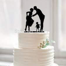 Mencium Groom Bride Wedding Cake Topper Siluet Dengan Gadis Kecil