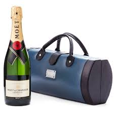 moet chandon traveller case