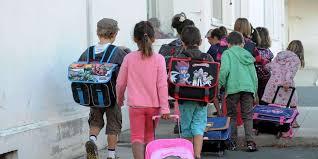 la ville de saint cyr l ecole a fait le choix du rythme scolaire à 4 5 jours par semaine elle pte 10 écoles maternelles et élémenres