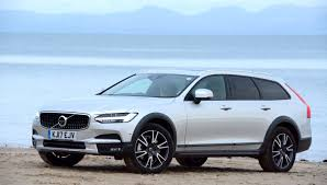Volvo V90 D4 AWD Cross Country REVIEW - GreenCarGuide.co.uk