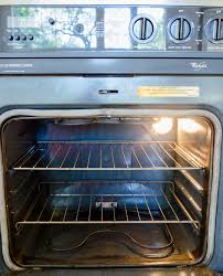 How To Clean an Oven with Baking Soda & Vinegar