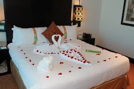 Romantic bedroom ideas for women Millruntech Exotic Romantic Birthday Couples Hotel Bedroom Ideas With Rose Petals And Swan Towel Decoration Ideas Gabkko Exotic Romantic Birthday Couples Hotel Bedroom Ideas With Rose