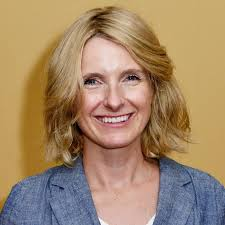 Elizabeth Gilbert Announces She's Dating Another Woman