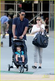 Ellen Pompeo Husband Ellen Pompeo West Village Walk With Chris Stella Photo