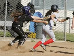 Glendale softball strikes in sixth to defeat Hoover - Los Angeles ...