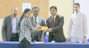 hym essay competition news tcn hyderabad youth mirror samhita mopati of cbit receiving award from international peace ambassador mr najeeb in picture