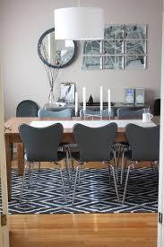 Modernes Esszimmer Mit Kelim Teppich Unter Dem Tisch Wohnen
