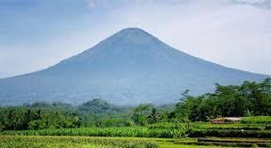 Hasil gambar untuk gunung