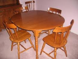 maple dining room set is also a kind of colonial dining room modern colonial dining room
