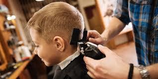 Malí či Velcí Líbit Se Chtějí Všichni Péče V Barber Shopu Pro Tátu I Syna