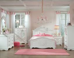 Standard Furniture Jessica White 2pc Bedroom Set with Twin Bed