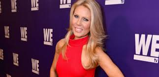 kelly dodd targets gretchen rossi s fertility struggles with horribly insensitive posts on insram