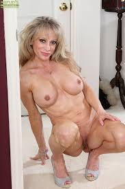 Photos of nude elderly women