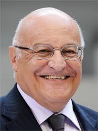 Giorgio Malinverni studierte an der Universität Fribourg (lic. iur 1965) und doktorierte anschliessend am Institut universitaire des hautes études ... - giorgio_malinverni