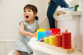 Con bạn có phải trẻ chậm nói hay không, kiểm chứng qua các cột mốc phát  triển ngôn ngữ này là biết