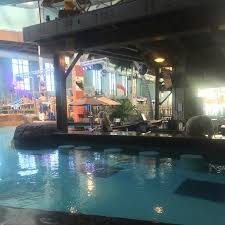 indoor pool bar. Camelback Lodge And Indoor Waterpark: Swim Up Bar Pool E