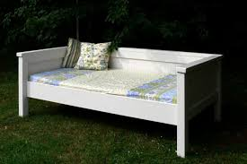 How To Build A Daybed Diy Outdoor Best Ideas Picture On Amusing With Pop Up  Trundle ...