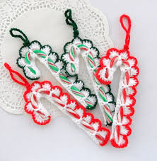 How To Decorate Candy Canes Candy Cane Inspired Christmas Decorations 17