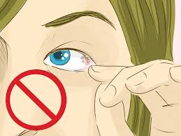 how to remove something from your eye