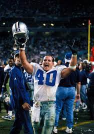 Bill Bates is struggling with Dementia according to his family. Let's show  some love to one of the players who made the 90s dynasty possible. : cowboys