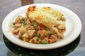 This thanksgiving dinner leftover recipe is so easy. Leftover Pork Casserole With Mashed Potatoes