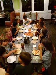 photo of round table pizza kailua hi united states big tables available