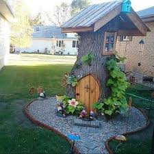 garden-stump-house-idea