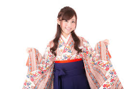 卒業式の定番衣装女袴と着物の歴史 振袖レンタルを結婚式成人式で