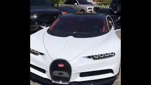 Pour cette occasion, la jeune maman a été couverte de cadeaux totalement incroyables. Watch Kylie Jenner S Deleted Video Of 3 Million Bugatti Chiron