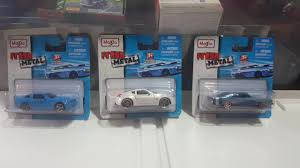 For a wide assortment of maisto visit target.com today. 2010 Ford Mustang Gt Nissan 370z 1969 Dodge Charger Rt Maisto Youtube