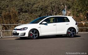 2016 Volkswagen Golf GTI review (video) | PerformanceDrive